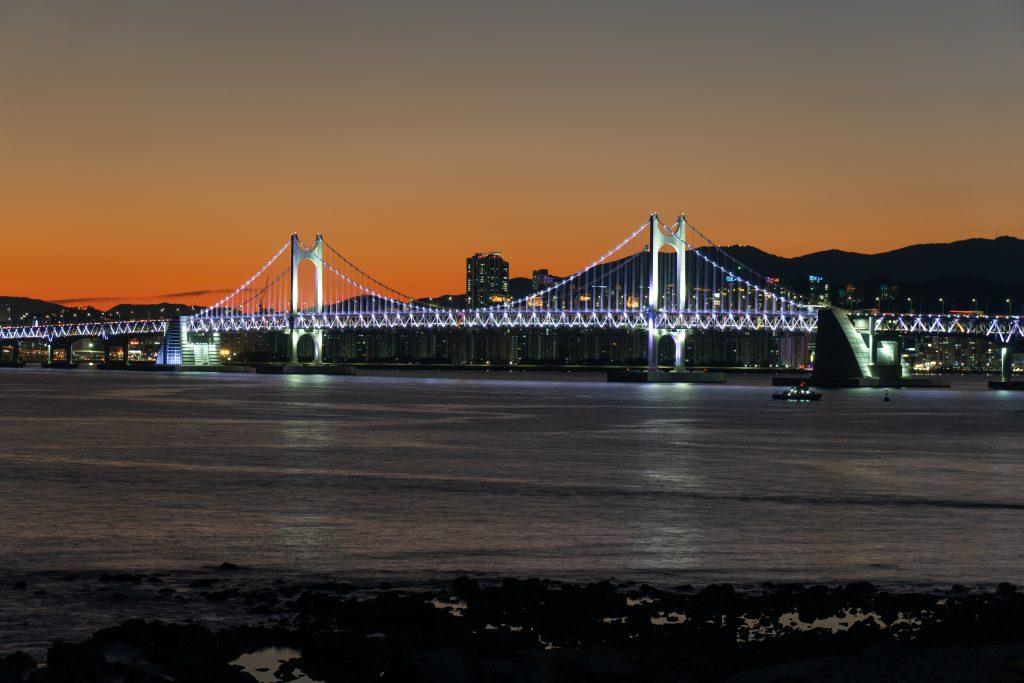 Il ponte illuminato di Busan